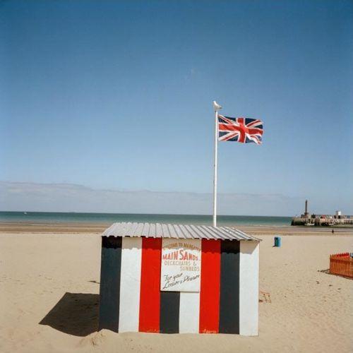 Peter Marlow 彼得 马洛  马盖特,英国。2002  高质量的印刷海报  盖有马格努姆收藏品的官方印章  尺寸:16 x 20英寸/50 x 40厘…