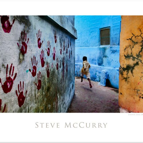 Steve McCurry Steve McCurry  男孩在飞行中  打印在海报纸上  尺寸:20×24英寸/51×61厘米左右。    出售后,由于健康危…