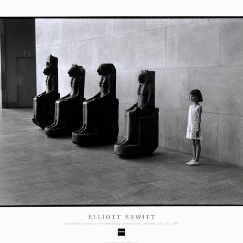 ELLIOTT ERWITT Elliott Erwitt  大都会艺术博物馆,纽约市,美国。1988.  高质量的印刷海报  盖有马格努姆收藏品的官方印章  …
