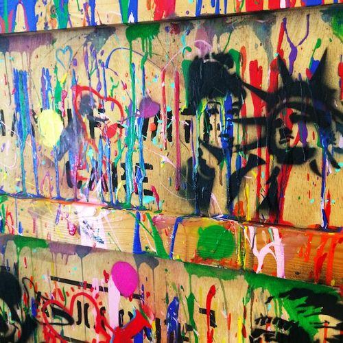 NOBODY 没有人   丰富多彩的活动 , 2020年     木板上的绘画   有艺术家的签名     尺寸:71 x 101厘米    出售后,由于健康危…