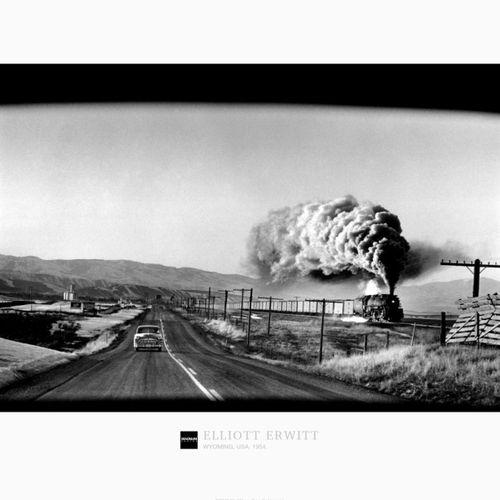 ELLIOTT ERWITT Elliott Erwitt  美国怀俄明州。1954  高质量印刷的海报  盖有马格努姆收藏品的官方印章  尺寸:16 x 20…