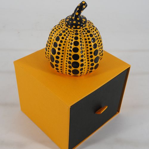 Yayoi KUSAMA Yayoi Kusama (d'après)  Dots Obsession (Pumpkin yellow Small)  Une …