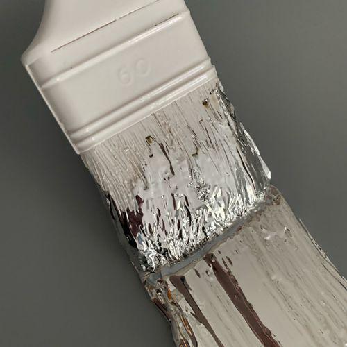 Santicri Santicri  Silver Brush, 2021  Sculpture en résine  Edition de 100 exemp…