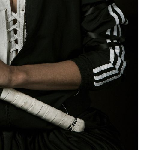 Mathilde Oscar 马蒂尔德 奥斯卡  Garçonne, 网球女孩I, 2019年  已签名并编号为4/30的绢印画  法布里亚诺艺术纸240克  …