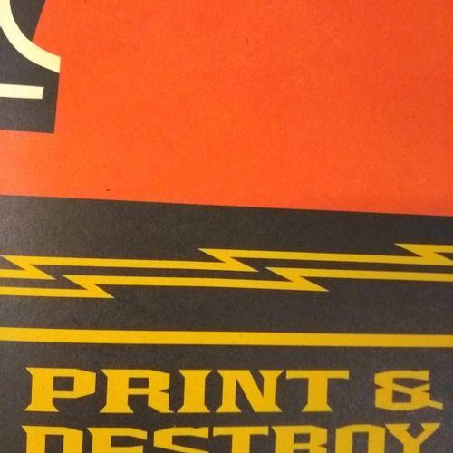 Shepard FAIREY Shepard Fairey (OBEY)  打印和销毁  乳白色纸张上的胶印  91 x 61 cm  认证的工作。  以铅笔签…
