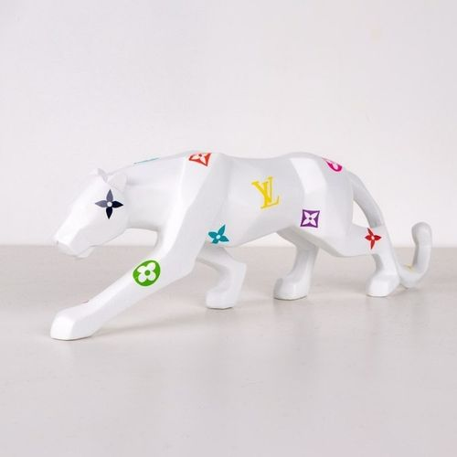 Shakeart83 抖音83  Panther LV, 2021  树脂雕塑  25 x 8.5 x 9.5厘米  50件的版本  完美的状态  这位艺术家与…