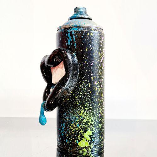 Rice Rice   Bouche Spray, 2019     Sculpture en résine et métal   Signée par l'a…