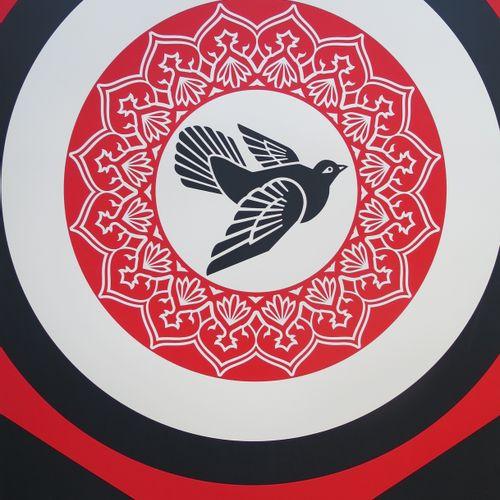 Shepard FAIREY Shepard Fairey (Obey)  从灰烬中崛起(红色),2020年  用伊拉克库尔德斯坦的灰烬进行双色丝网印刷。  铅…