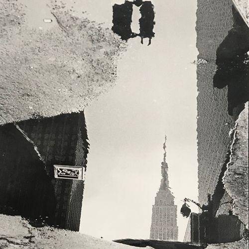 MICHEL GINIES Michel GINIÈS   Reflet de l'Empire State Building, New York City, …