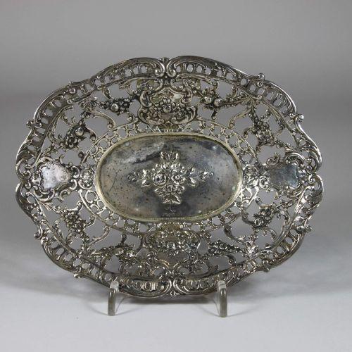 Kleine Silberschale Petit bol en argent, argent 800 poinçonné, bord cassé, 107 g…
