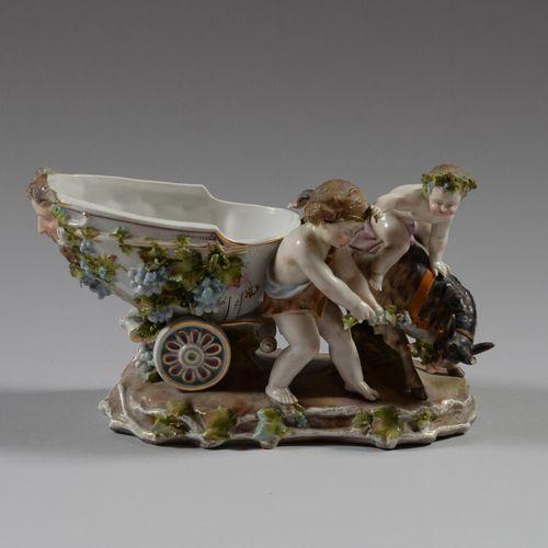 MEISSEN  Sujet en porcelaine polychrome représentant le char de Bacchus attelé à…