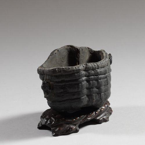 中国  好奇的花瓶或香炉由木头或干蘑菇制成?  19世纪  高9厘米