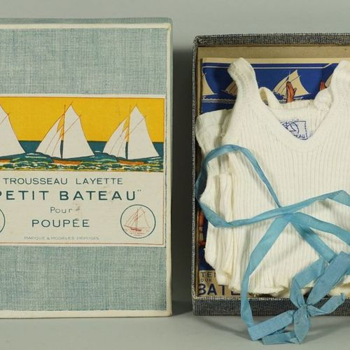 Germaine BOURET (d'après). Rare and beautiful box of a doll's trousseau Layette …