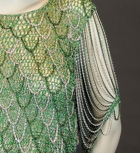 Loris AZZARO Lurex top and green and silver metal chains about T38 Good conditio…