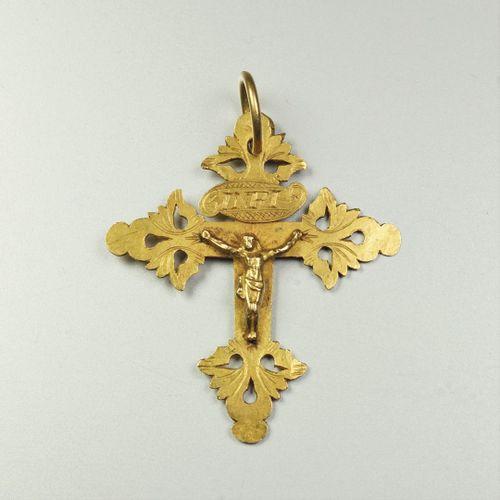 Croix Grille de Chambéry en or jaune 18K (750/oo), la face ornée d'un Christ et …