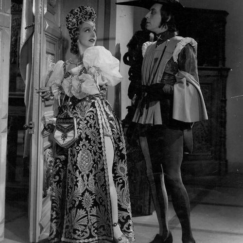 VOLPONE Louis Jouvet et Jacqueline Delubac, film de Maurice Tourneur, 1941. Phot…