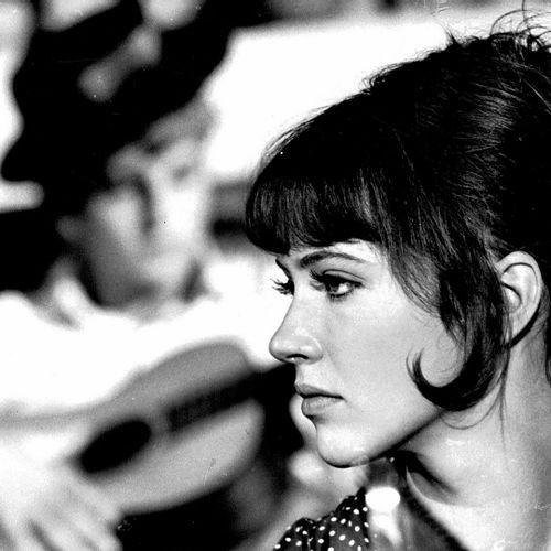 LE SOLEIL DANS L'ŒIL Anna Karina et Jacques Perrin, film de Jacques Bourdon, 196…