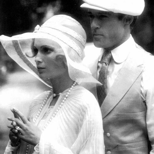 GATSBY LE MAGNIFIQUE THE GREAT GATSBY Rorbert Redford et Mia Farrow, film de Jac…