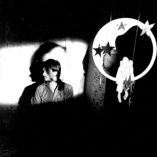 LA LUNE DANS LE CANIVEAU Jean Jacques Beinex sur le tournage de son film, 1983. …