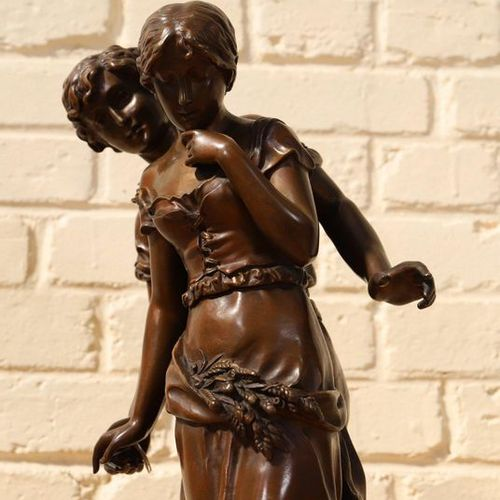"""VERY BEAUTIFUL BRONZE SCULPTURE """"YOUNG PEASANT COUPLE SAYS THE DECLARATION""""  Gro…"""