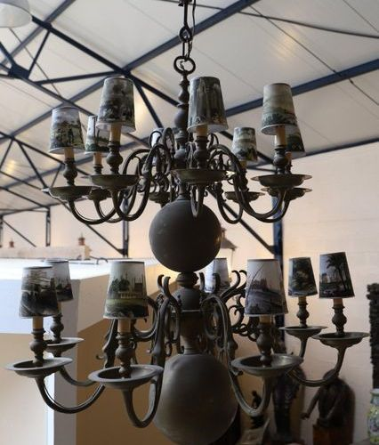 IMPORTANT HOLLISH LIGHT with sixteen arms of light on two rows. Lampshades decor…