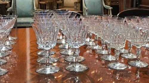 VERY BEAUTIFUL SERVICE OF CRYSTAL BACCARAT GLASSES including 12 champagne glasse…
