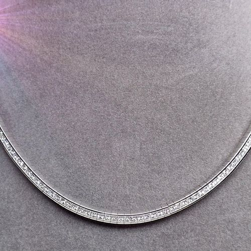 White gold jewellery necklace set with 195 princes cut diamonds extra white qual…