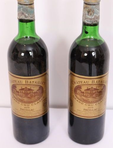 "Lot 2 BTES ""CHÂTEAU BATAILLEY"" PAUILLAC Grand Cru Classé 1979  Mid shoulder leve…"