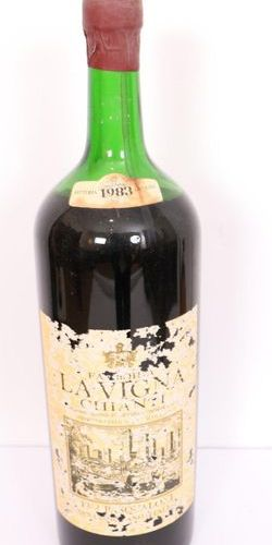 "1 LARGE JEROBOAM BOTTLE OF CHIANTI ""LA VIGNA"" 1983  5 liters  Mid shoulder level…"