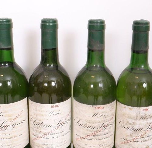 "LOT 10 BTES ""CHÂTEAU SIGOGNAC"" MEDOC WHITE 1990  Slightly low and mid shoulder l…"