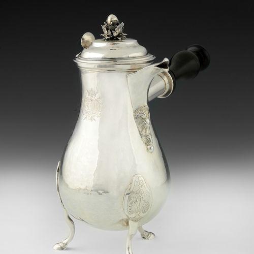 Verseuse en argent. Nancy 1778 1782. Maître Orfèvre : Christophe Aubertin, reçu …