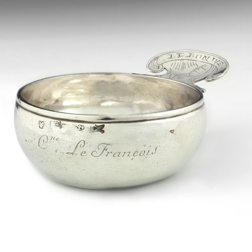 Tasse à vin en argent. Rouen 1749 Maître Orfèvre : attribué à Jean René Roussel,…