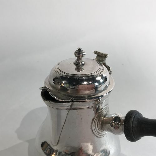 Petite verseuse balustre en argent. Sedan vers 1787 Maître Orfèvre : Marie Cathe…