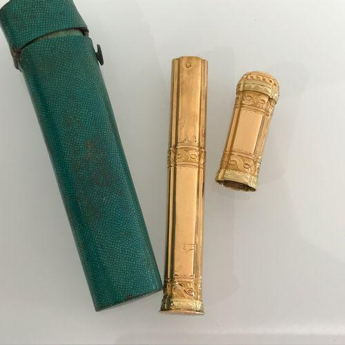 Etui à aiguilles en or. Paris 1768 1774. Maître Orfèvre : Mathieu Pionnier, reçu…