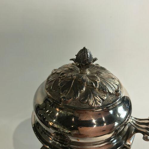 Grande verseuse tripode en argent. Saint Omer 1776 1778 Maître Orfèvre : attribu…