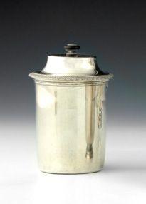 Importante timbale couverte en argent. Paris 1798 1809 et 1819 1838. En argent u…