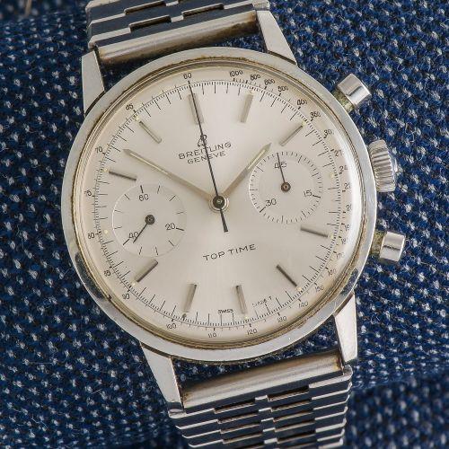 BREITLING, vers 1960 Chronographe Top Time réf. 2002 en acier, le boîtier rond m…