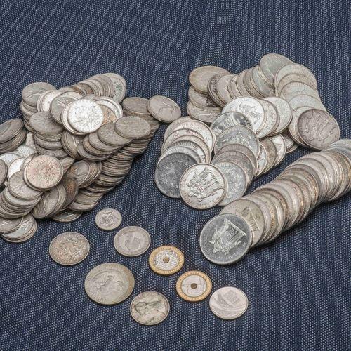 Lot de pièces en argent comprenant : 24 pièces de 50 Francs Dupré, 1 pièce de 10…