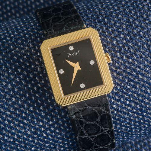 PIAGET, vers 1980 Montre de dame modèle Protocole en or jaune 18 carats (750 ‰) …