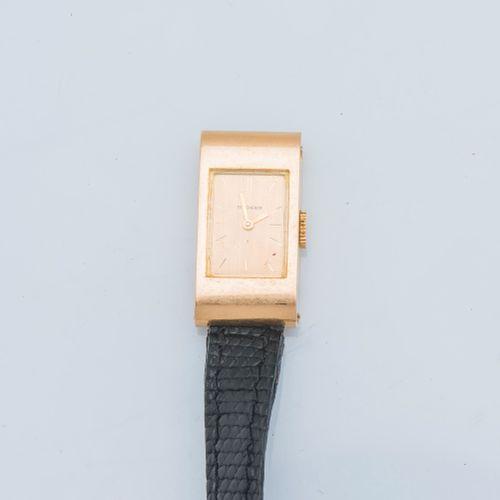 BOUCHERON , vers 1968 Montre de dame modèle Reflet rectangulaire, boîtier en or …