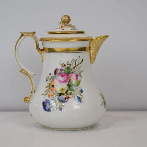 A Paris porcelain pourer