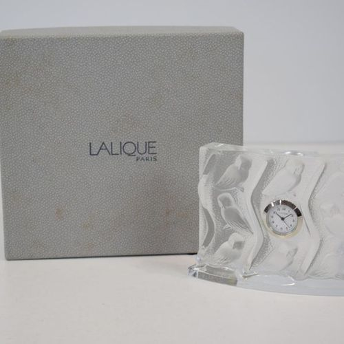 LALIQUE France An owl decorated clock, in its box