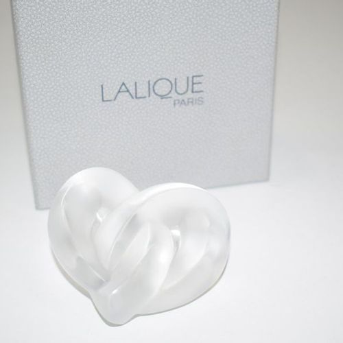 LALIQUE France A heart in its box