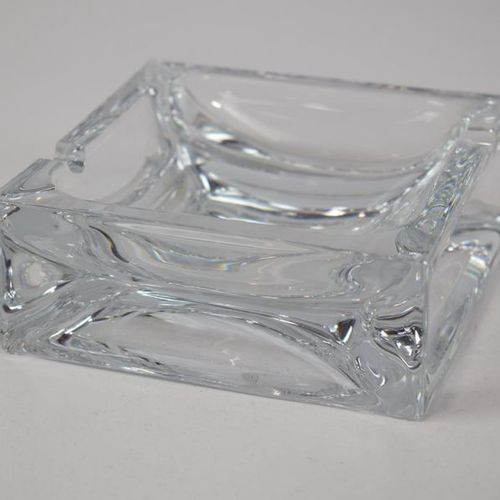DAUM A moulded glass ashtray (gin)