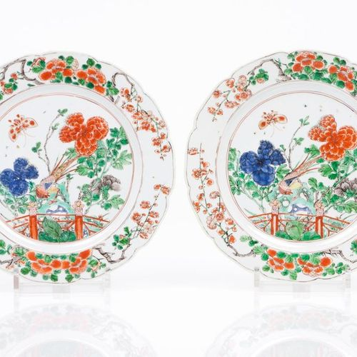 """A pair of scalloped plates Chinese export porcelain  """"Famille Verte"""" enamelled d…"""