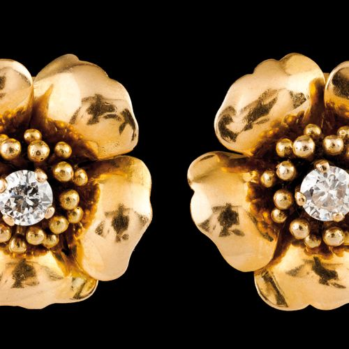 A pair of earrings Portuguese gold  Flower shaped set with 2 brilliant cut diamo…