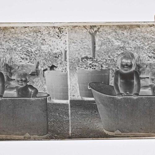 Ensemble de 250 vues stéréoscopiques sur verre positives et négatives, c. 1910 2…