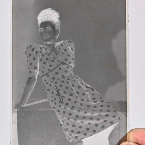 Ensemble de négatifs mono sur verre 1900 1930 228 Plaques. Formats : 9 x 12 cm /…