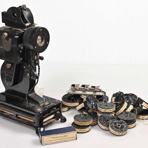 Screening Lot: Pathé Baby Projection + 28 Children's Films (Le Petit Poucet, Fél…