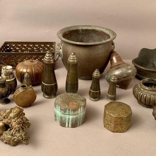 Set in brassware and bronzes: ritual spoon, flasks and betel boxes, vases, mount…